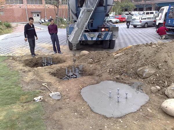 漸細型旗桿施工-基礎螺絲工程灌漿